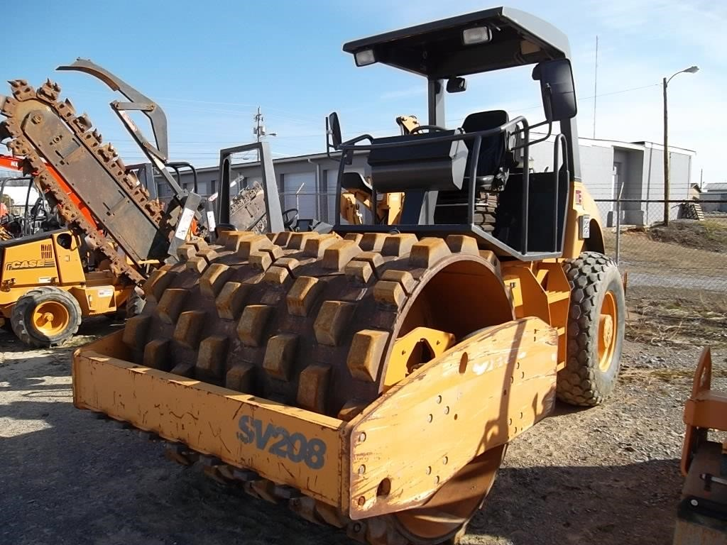 2007 Case SV208 Compacting and Paving