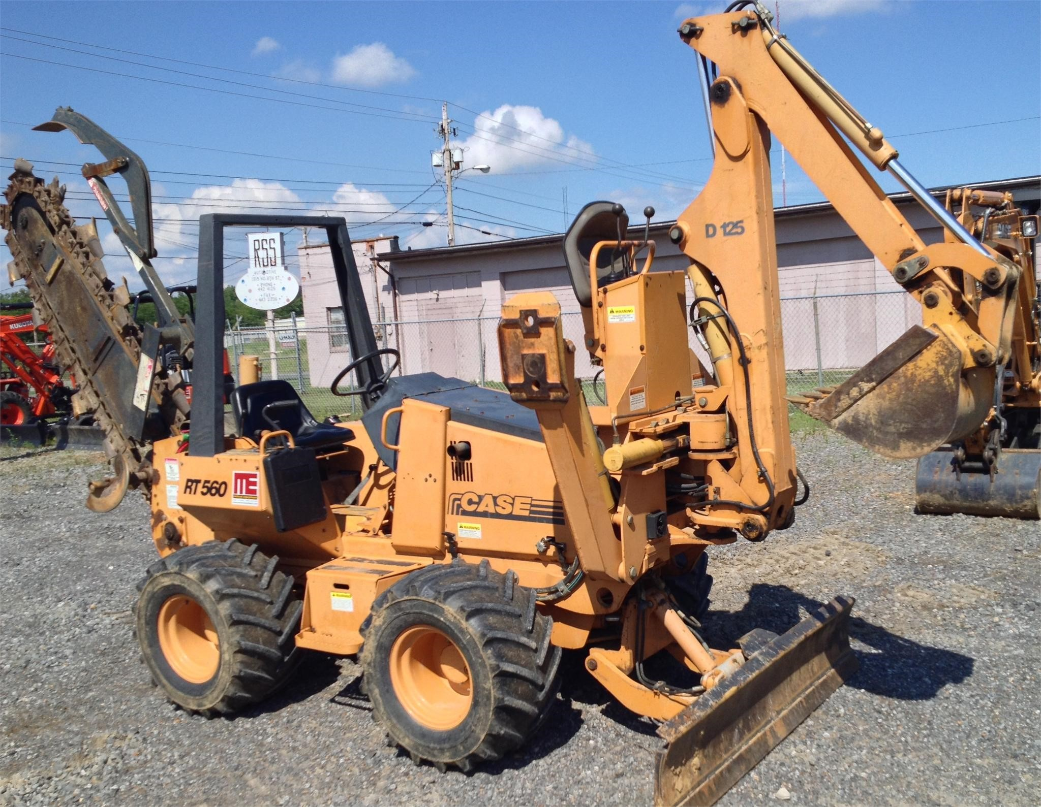 2002 Case 560 Trencher