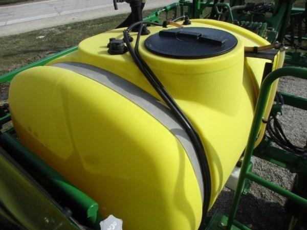 2010 John Deere 4630 Self-Propelled Sprayer