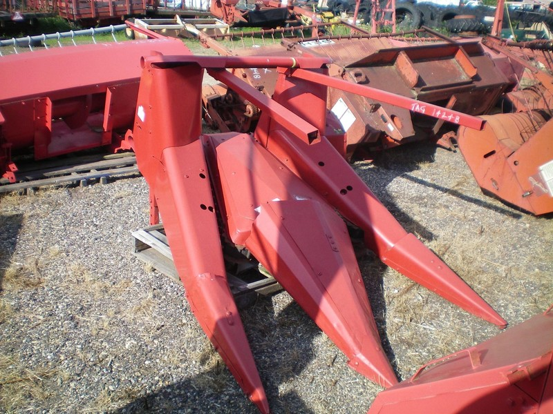 International 720-830 Harvesting Attachment