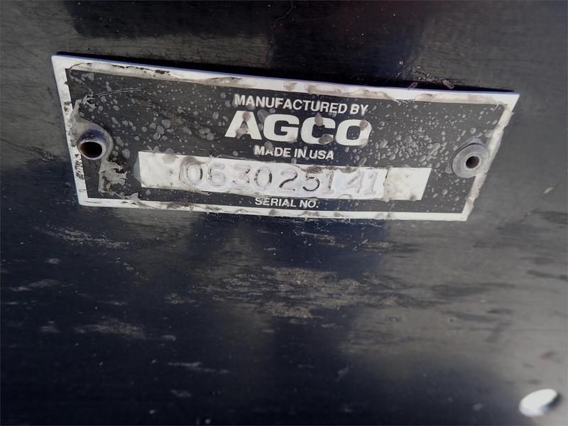 1998 Gleaner Hugger 630 Corn Head