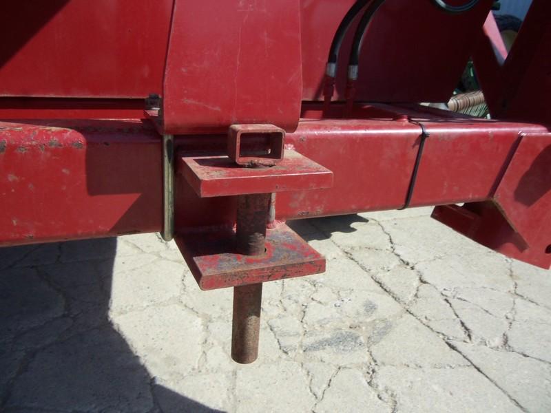 Sunflower 8210-900 Forage Wagon