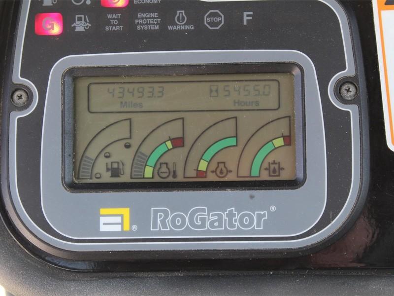 2005 Ag-Chem RoGator 1274 Self-Propelled Sprayer