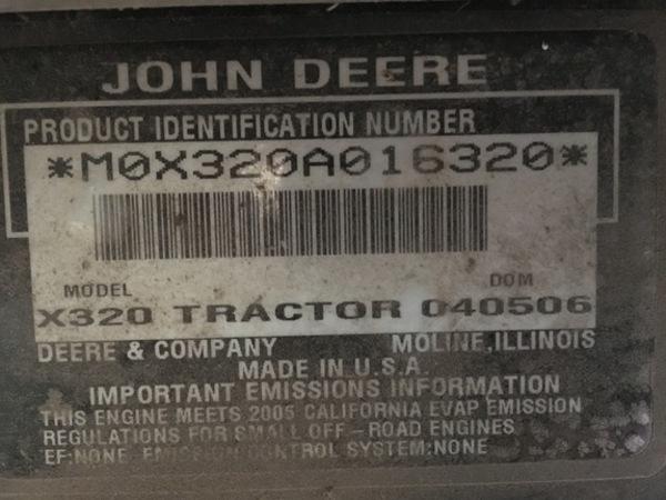 2006 John Deere X320 Lawn and Garden