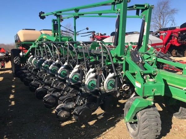 2006 Great Plains YP1625-32TR Planter