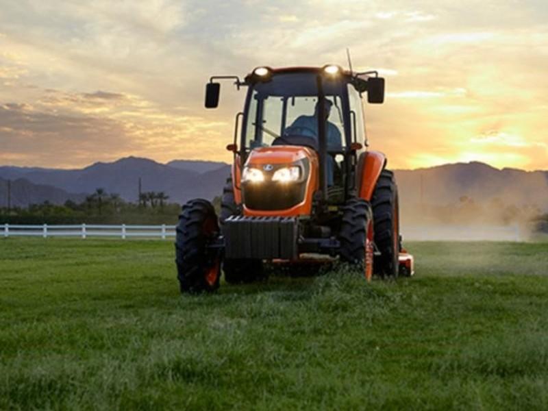 2018 Kubota M7060HDC12 Tractor