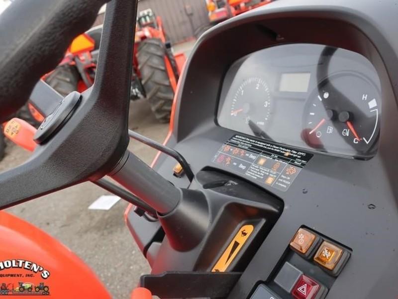 2018 Kubota M5660SUHD Tractor