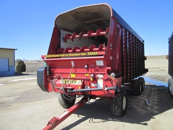 2010 Meyer 4220 Forage Wagon