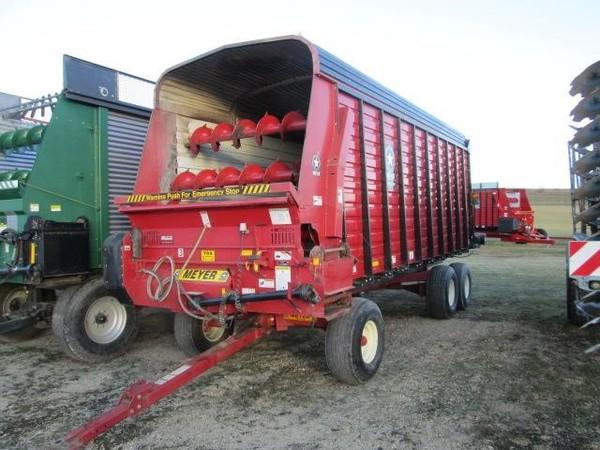 2011 Meyer 4220 Forage Wagon