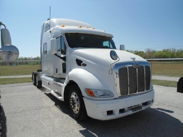 2006 Peterbilt 387 Semi Truck