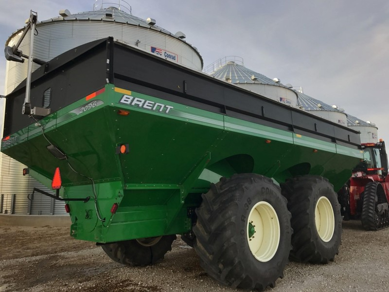2011 Brent 2096 Grain Cart