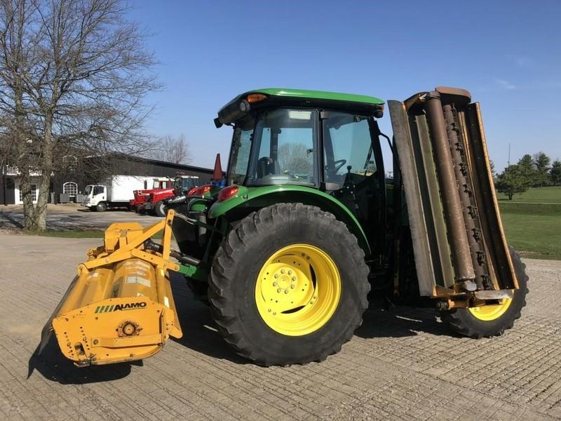 2013 John Deere 5085M Tractor