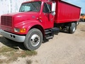 1999 International 4900 Semi Truck