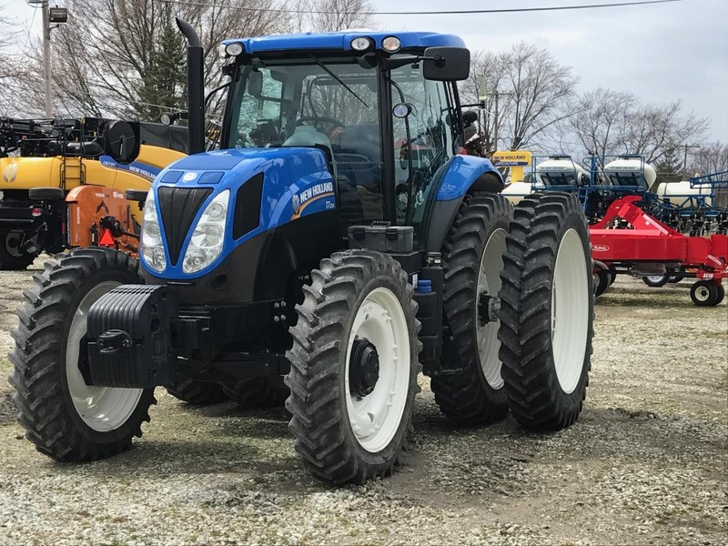 2015 New Holland T7 210 Tractor