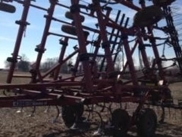 2004 Case IH 4300 Field Cultivator