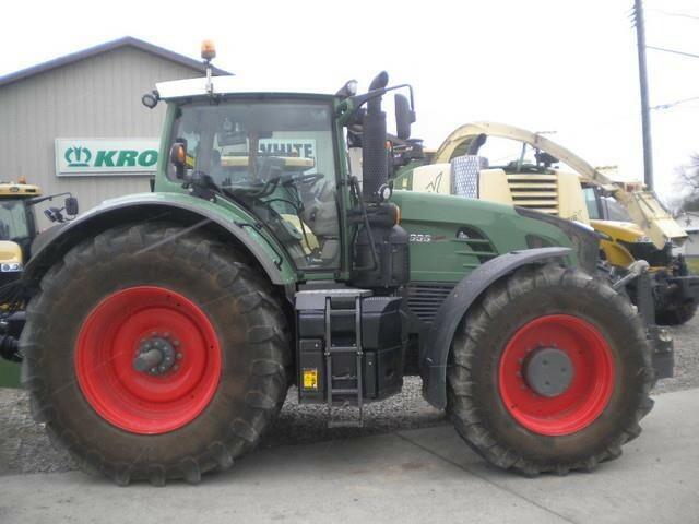 2013 Fendt 933 Vario Tractor