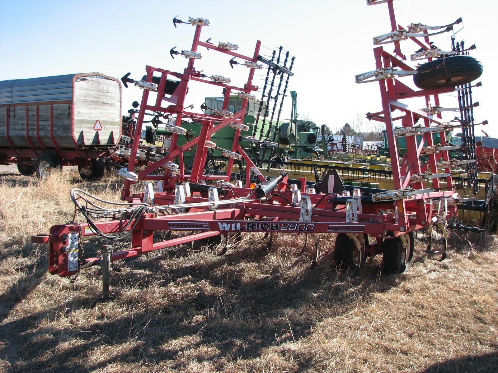 Wil-Rich 2800 Field Cultivator
