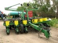 1998 John Deere 1760 Planter