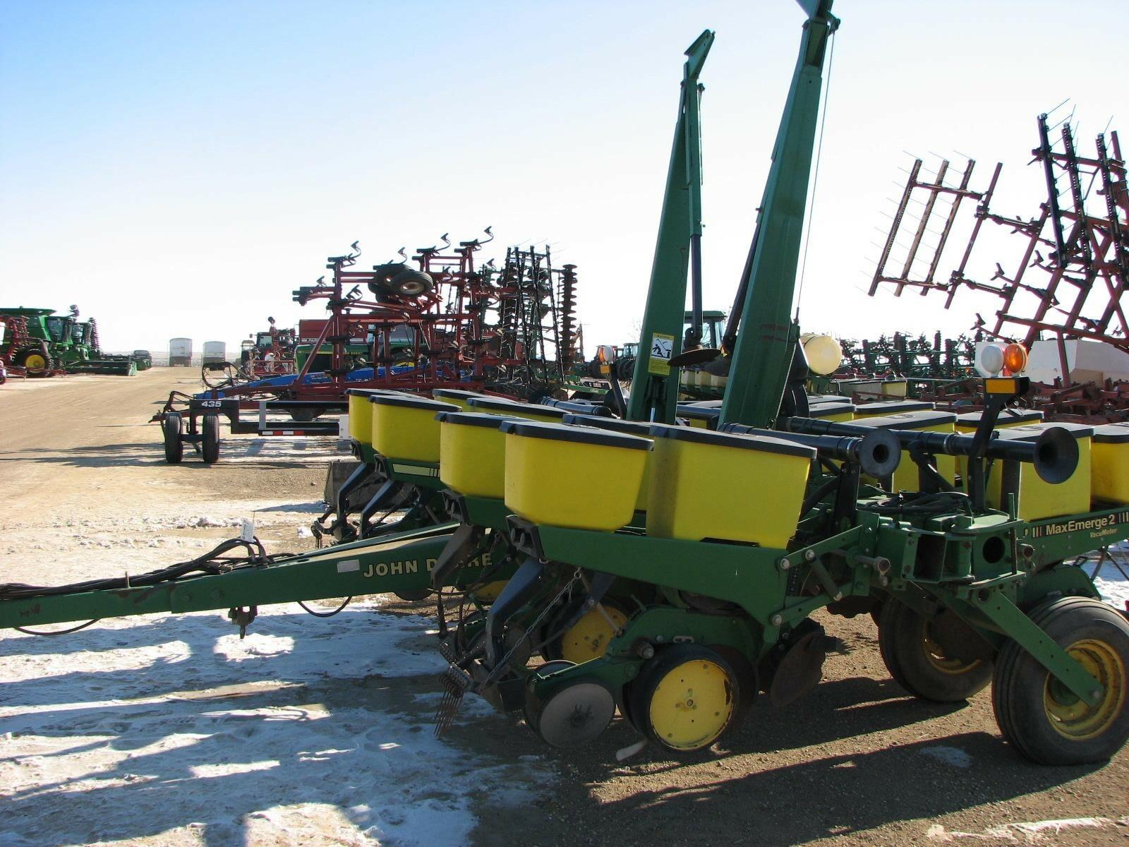 1995 John Deere 7200 Planter