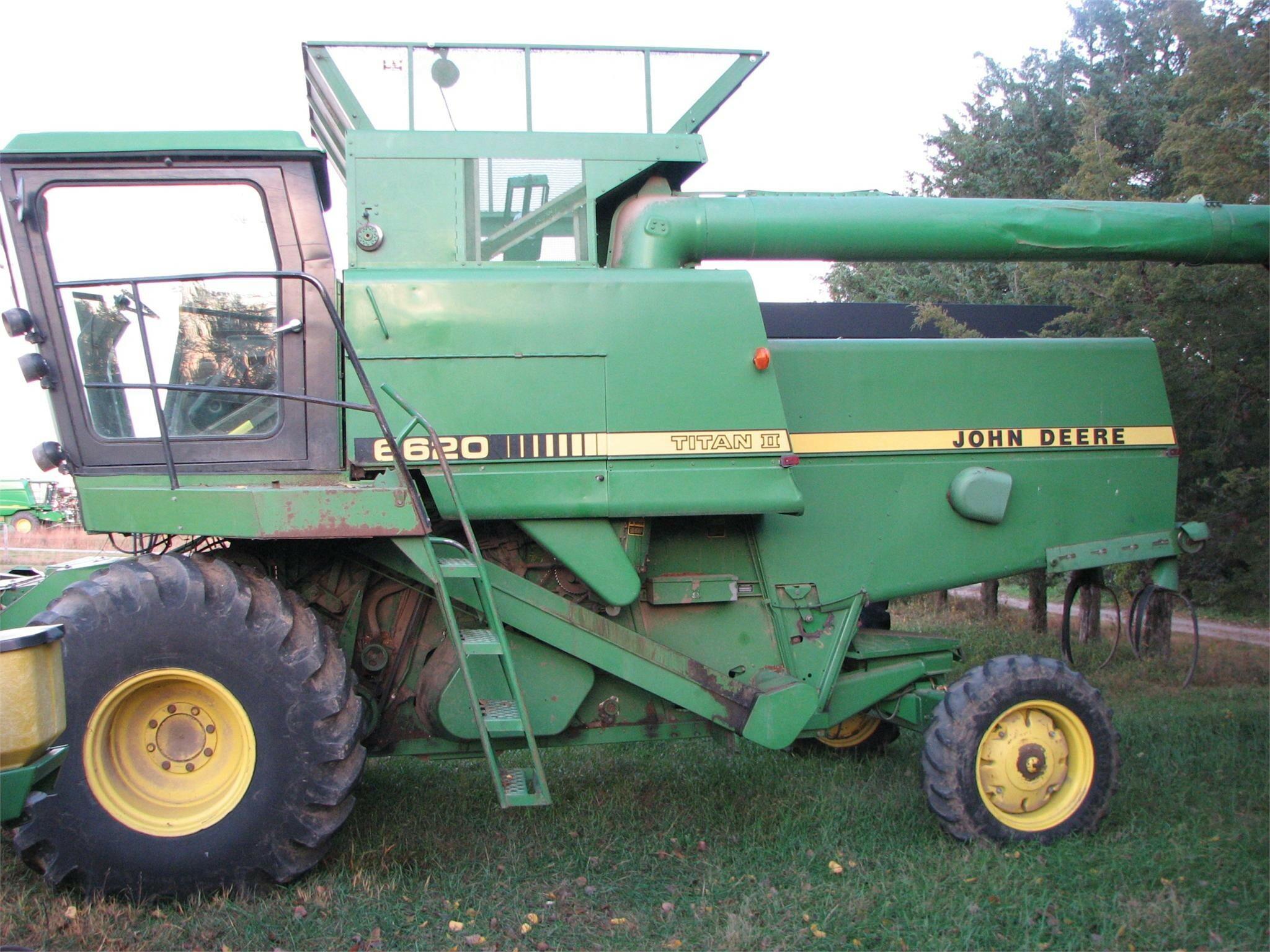 1987 John Deere 6620 Titan II Combine