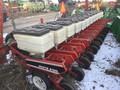 White 6700 Planter
