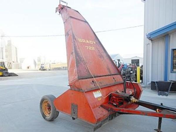 Brady 722 Pull-Type Forage Harvester