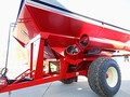 2010 Brent 882 Grain Cart