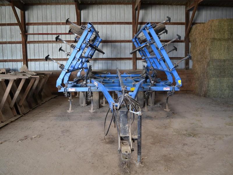 DMI Tigermate Field Cultivator