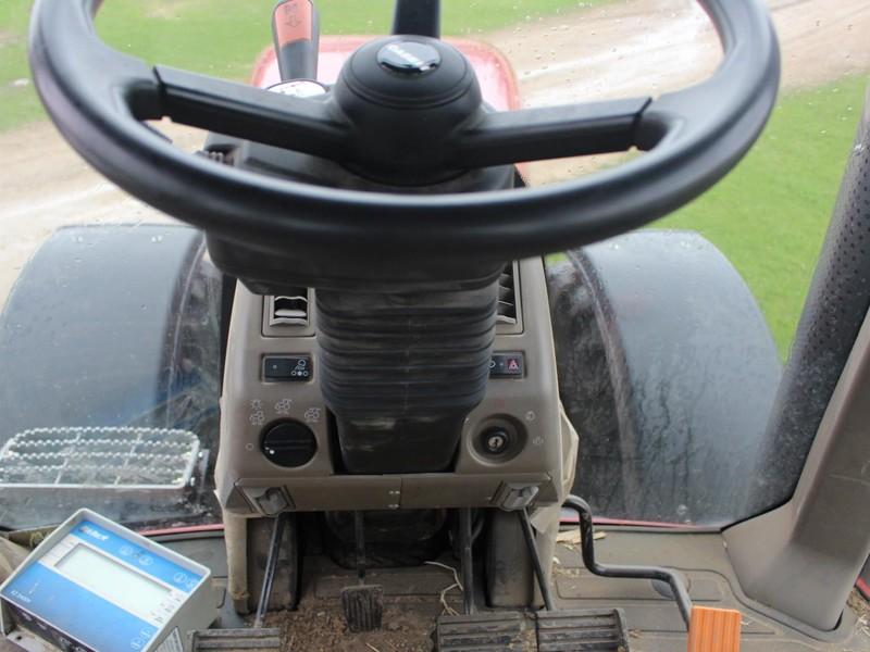 Case IH Magnum 220 Tractor