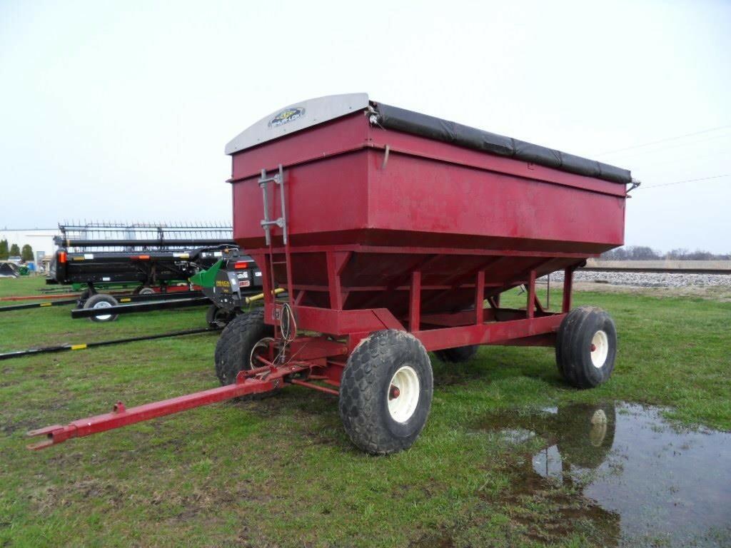 M&W 200 Gravity Wagon