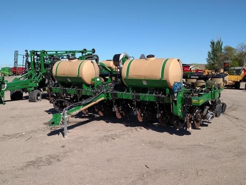 Great Plains YP825A3P Planter