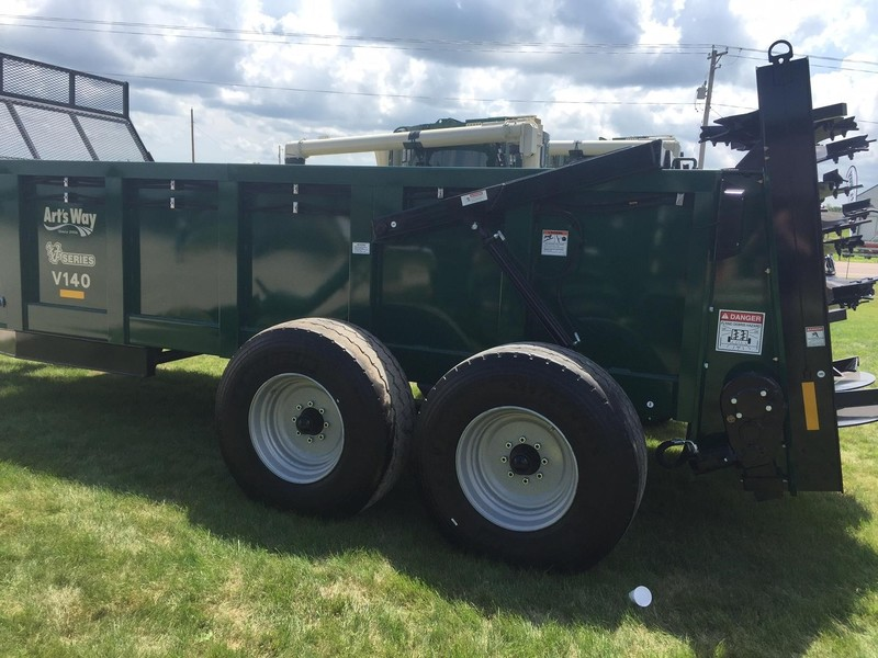 2018 Art's Way V140 Manure Spreader