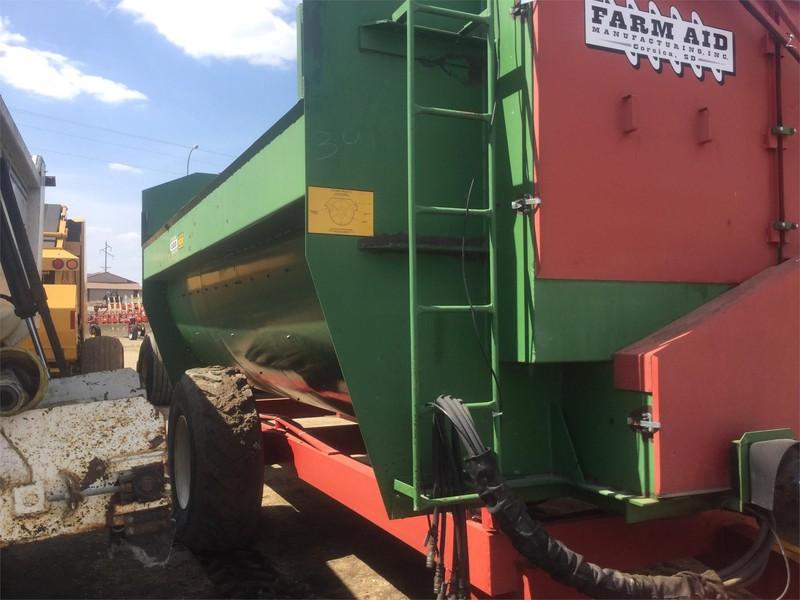 Farm Aid 550 Feed Wagon