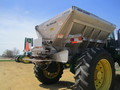 2011 New Leader L3030G4 Self-Propelled Fertilizer Spreader