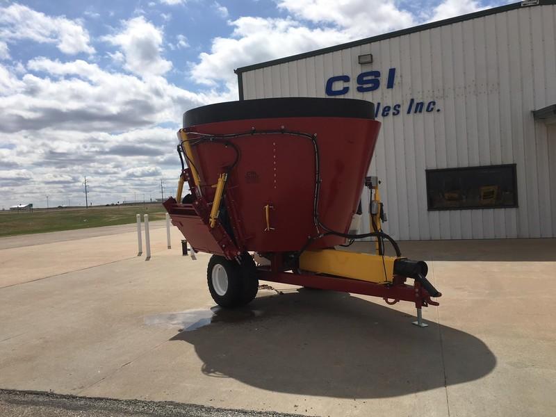 2018 Supreme International SEG4S Feed Wagon