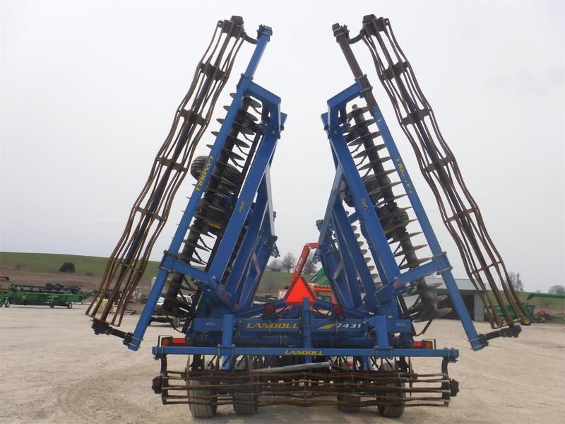 Landoll 7431 VT Plus Vertical Tillage