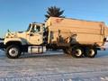 2005 International PAYSTAR 5500 Grain Truck