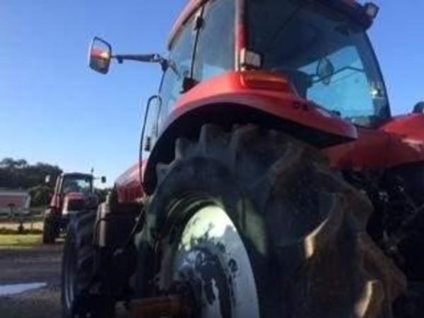 2013 Case IH Magnum 210 Tractor