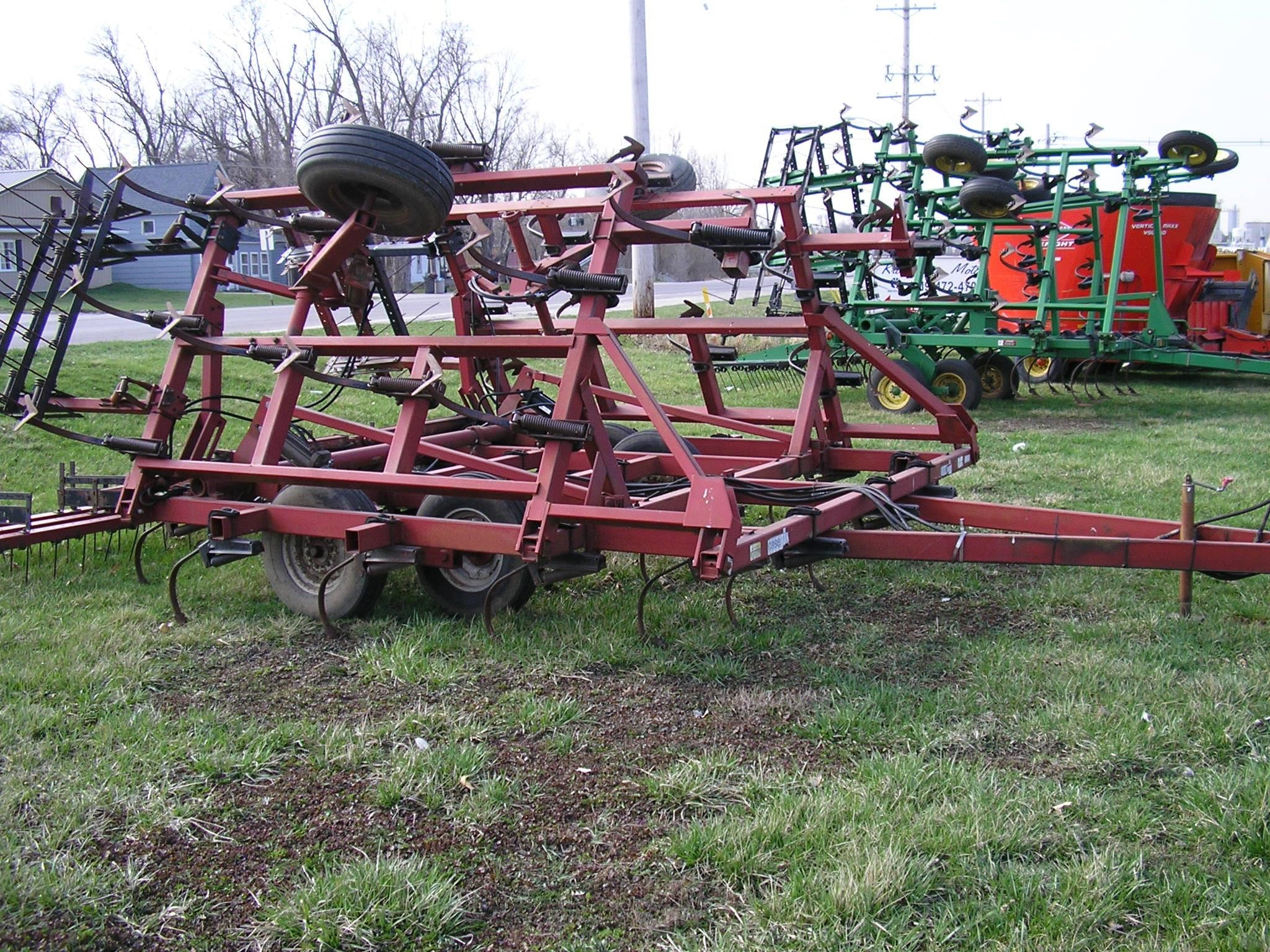 International Harvester 4600 Field Cultivator
