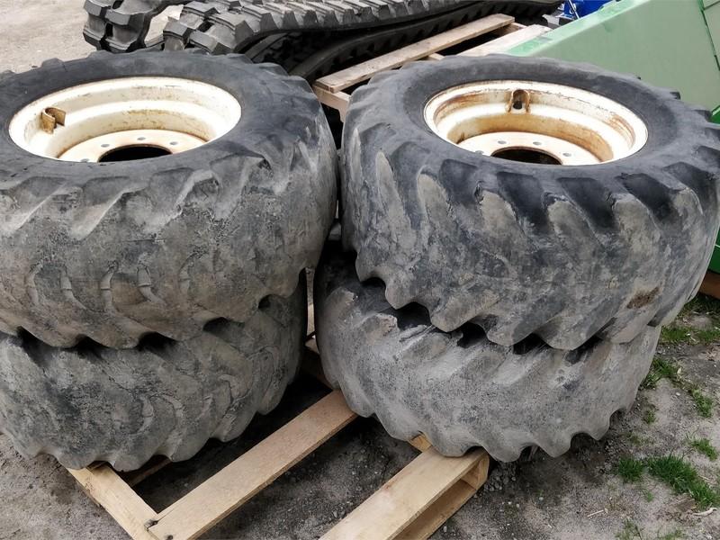 Bridgestone 12.5/70-16 Wheels / Tires / Track