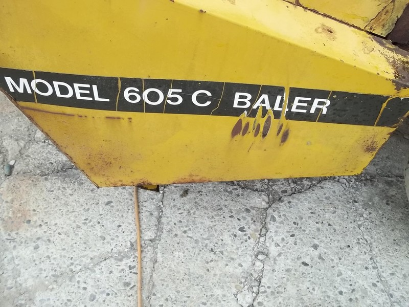 Vermeer 605C Round Baler
