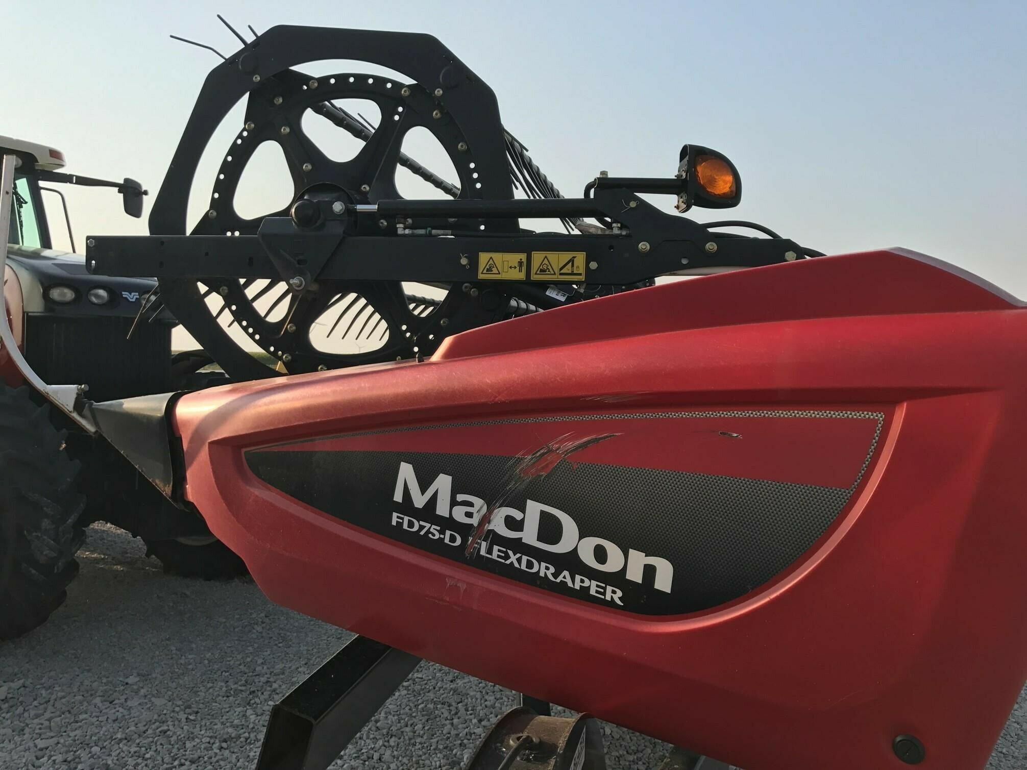 2014 MacDon FD75D Platform