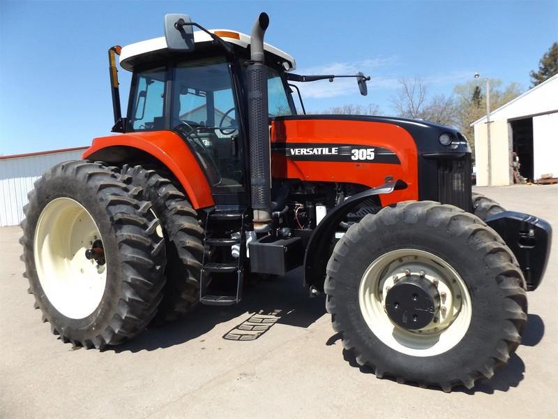 2011 Versatile 305 Tractor