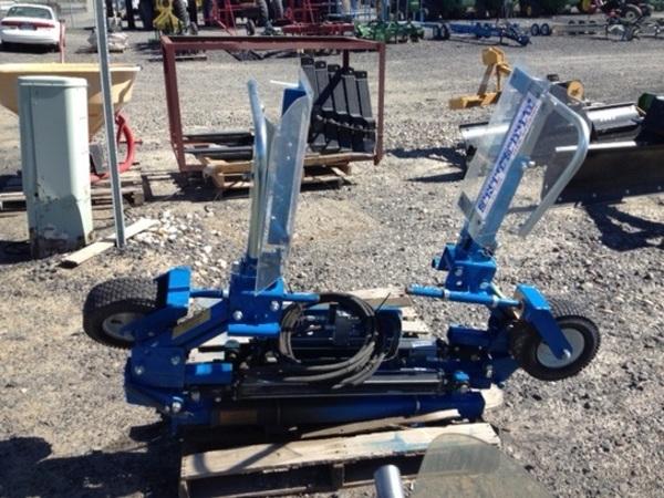 2014 Blueline SBWS Pull-Type Sprayer