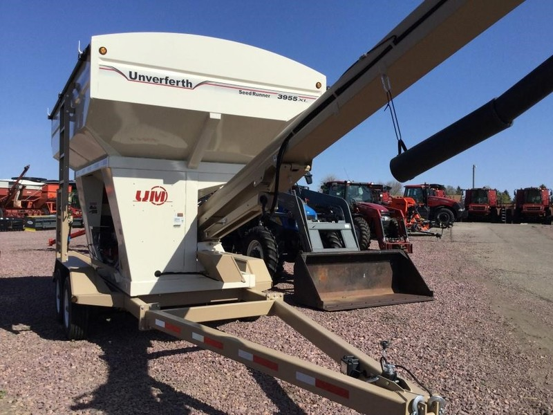 2017 Unverferth 3955XL Seed Tender