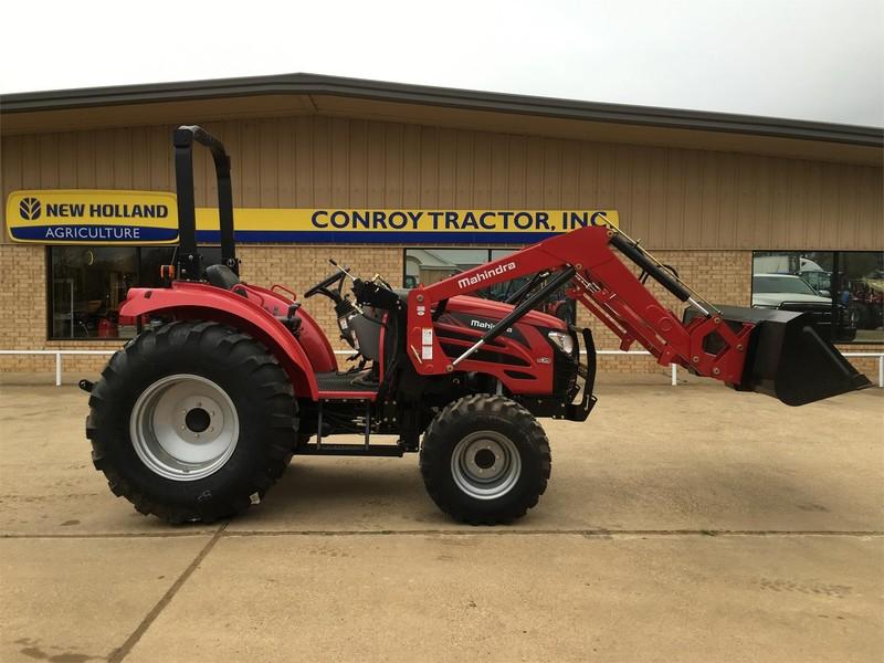2017 Mahindra 2555 Tractor