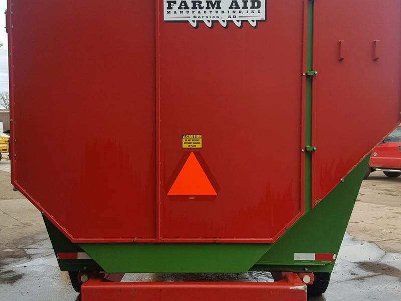 2012 Farm Aid 560 Feed Wagon