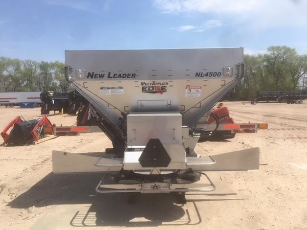 2018 New Leader NL4500G4 EDGE Self-Propelled Fertilizer Spreader