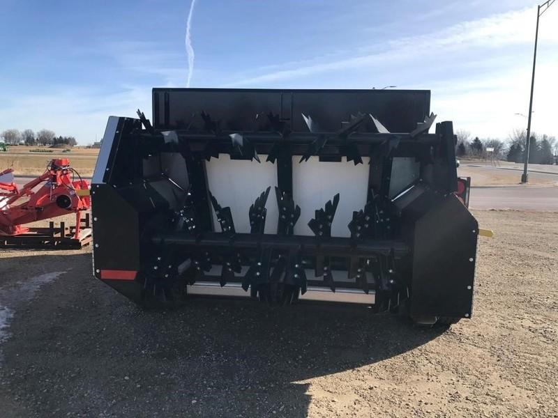Meyers M3280 Manure Spreader