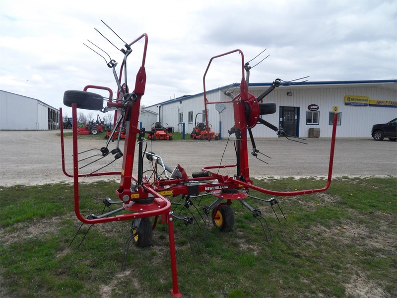 2018 New Holland Proted 3417 Tedder